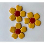 Aplique de cerâmica - Flores amarelas/ miolo vermelho 355 -3 un