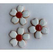 Aplique de cerâmica - Flores Brancas/ miolo vermelho 355 -3 un