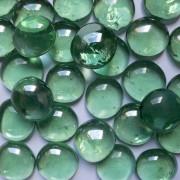 Gemas de vidro verde clara